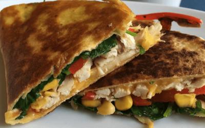 Quesadillas med kylling, ost og grønt