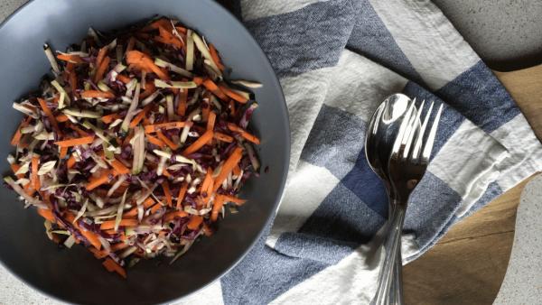 råkost med gulerødder og kål